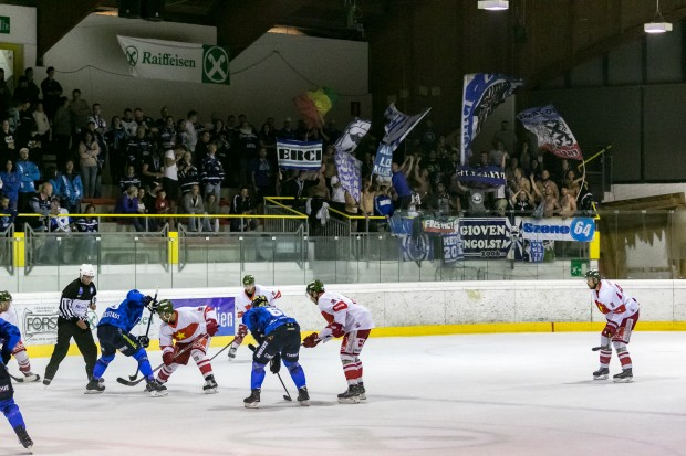 Pełna kabina, zabawna gra: The ERC wygrał mecz otwarcia przeciwko Bolzano.  Zdjęcie: Vanna Antonello